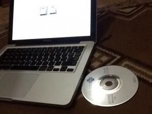 CD yang tertelan di Macbook