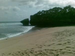 Pantai Drini bagian barat